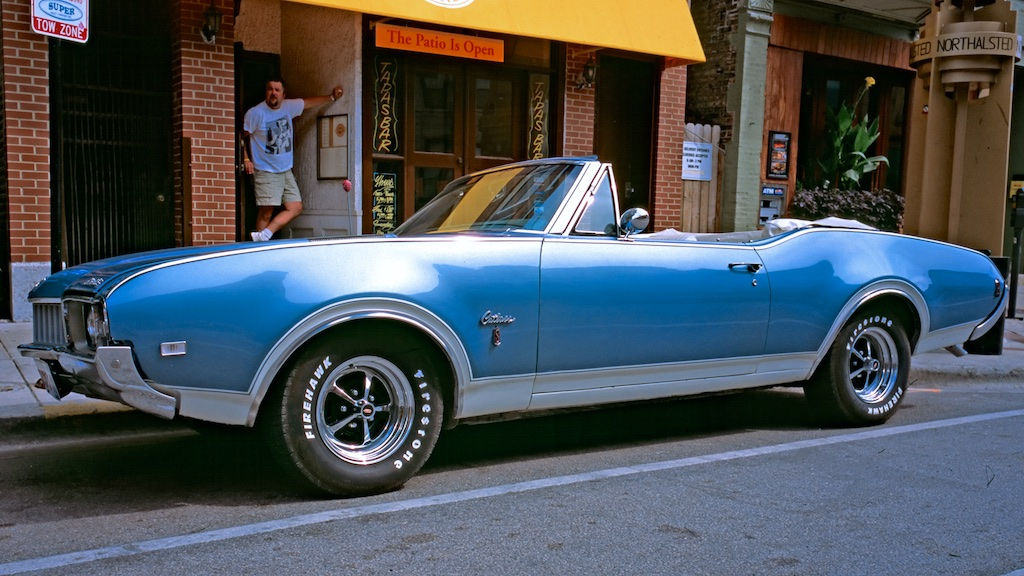 Chicago September 2005 - Contax G1, Oldsmobile Cutlass